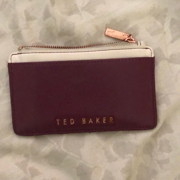 5679c98a8 Ted Baker London Roselyn zipped leather cardholder.  M 5b243e9caa8770a6623f5819